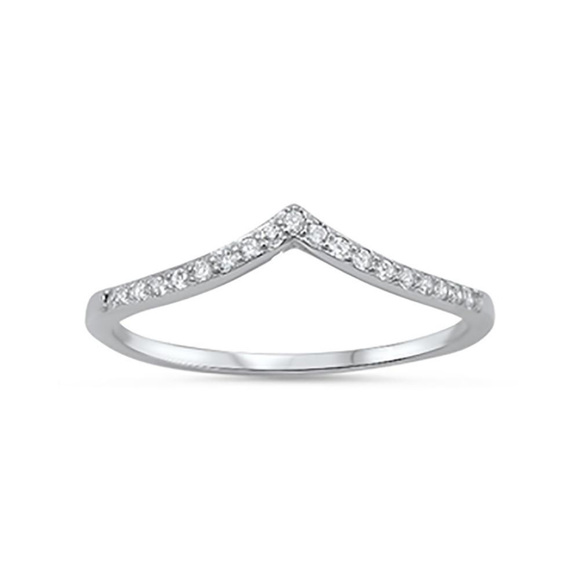 """925 STERLING SILVER /""""V/"""" SHAPED CHEVRON SIMULATED CZ BAND RING SIZE 10"""